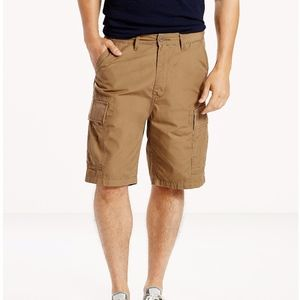 Levi's Carrier Cargo Shorts - SZ 42 - NWT